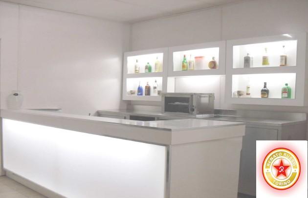 Bancone In Legno Per Negozio : Arredamenti per negozi: compra in fabbrica banconi per negozi